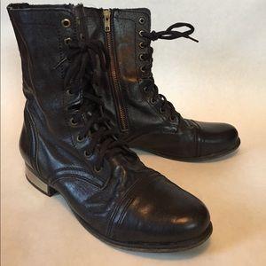Steve Madden combat boots size 9